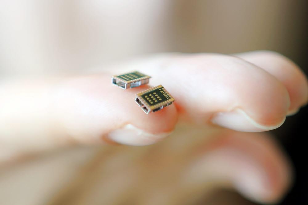 LG이노텍이 개발한 세계 최소형 저전력 블루투스 모듈. 사물인터넷(IoT) 기기 탑재에 적합하게 개발됐다.