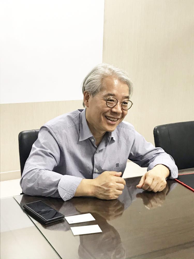 박성순 글루시스 대표는 회사를 운영하는 동안 과로로 병상에 누워있기도 했지만 더 힘든 것은 고객으로부터 신뢰를 잃는 것이라고 강조했다.