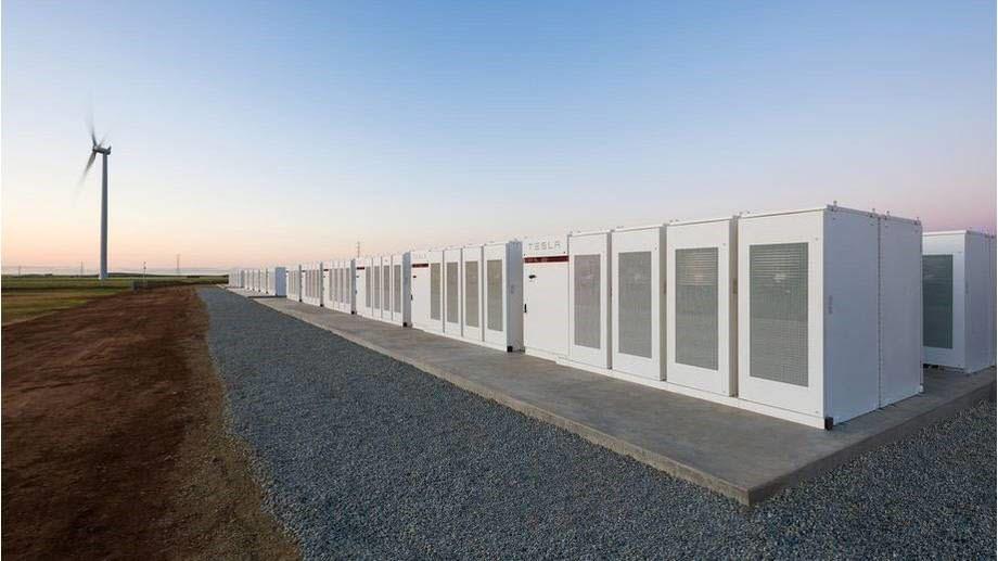 테슬라가 호주에 구축한 신재생에너지 연계형 대용량 ESS.