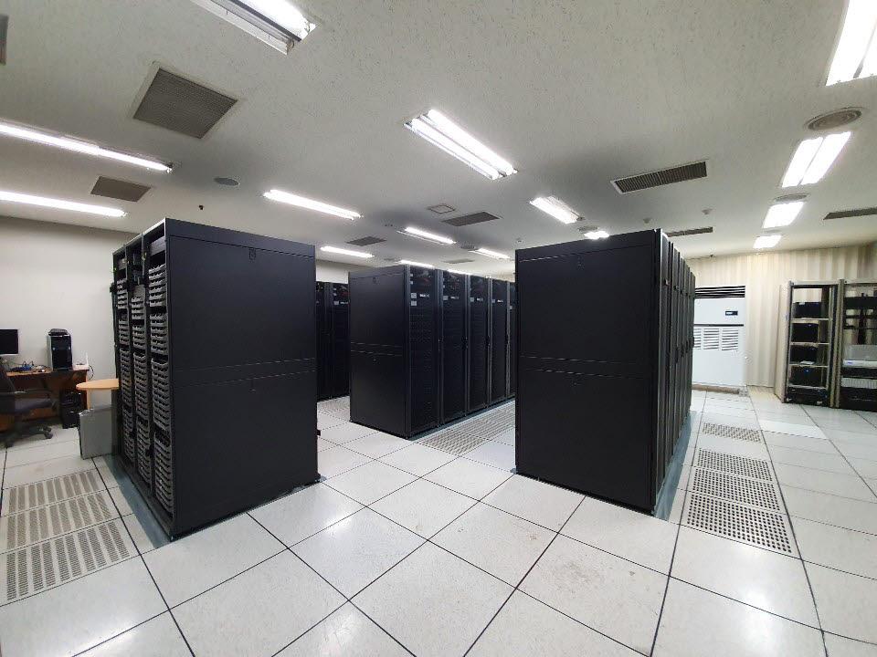 60대 카메라와 300대 랜더팜은 아시아 최대 규모다. 4층에 위치한 랜더팜(서버 묶음)