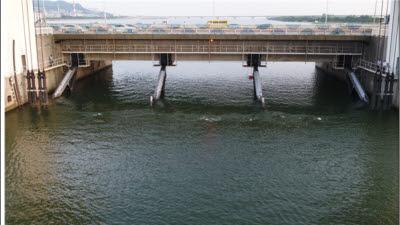 낙동강 하굿둑 수문 장기 개방에도 지하수 염분 변화 없어