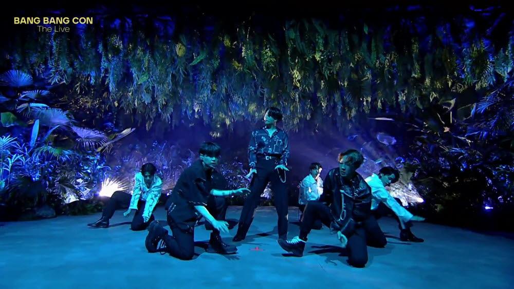 방탄소년단 온택트콘 방방콘LIVE 모습. (사진=빅히트엔터테인먼트 제공)