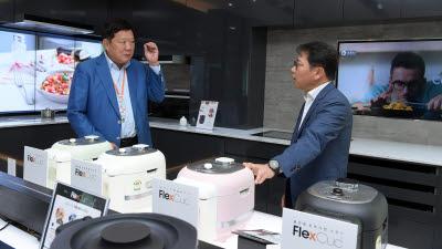 """박재순 쿠첸 대표 """"하는 요리서 보는 요리, '플렉스쿡'으로 조리가전 문화 선도"""""""