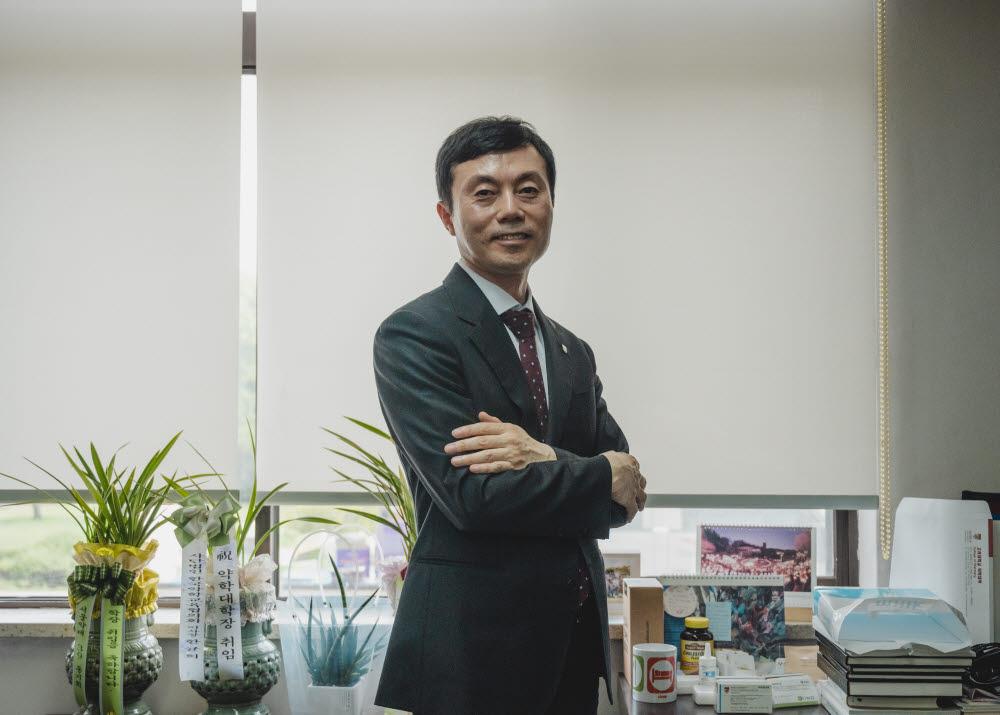 전영호 알러큐리스 대표(고려대 약대 교수)
