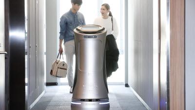 KT, 음식 서빙·호텔 로봇 상용화…'언택트 시대' 발 빠른 대응