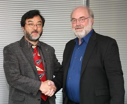 (왼쪽부터)안종배 국제미래학회장과 미래학자 토머스 프레이