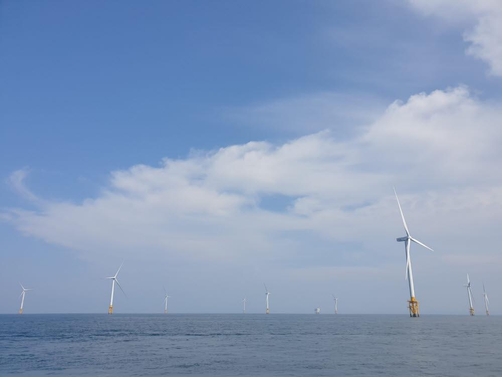 한국해상풍력이 운영 중인 해상풍력단지. [사진= 류태웅 기자]
