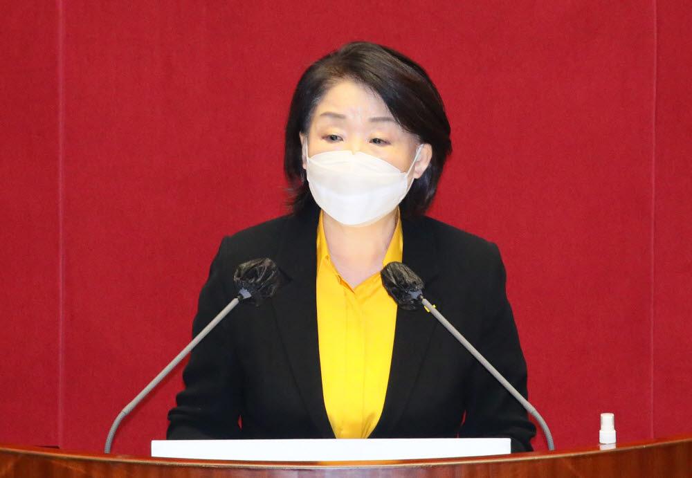 심상정 정의당 대표가 15일 국회 본회의에서 비교섭단체 대표연설을 하고 있다. <사진=연합뉴스>