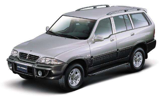 쌍용차가 선보일 J100은 무쏘(사진)처럼 정통 SUV 스타일을 표방한다.