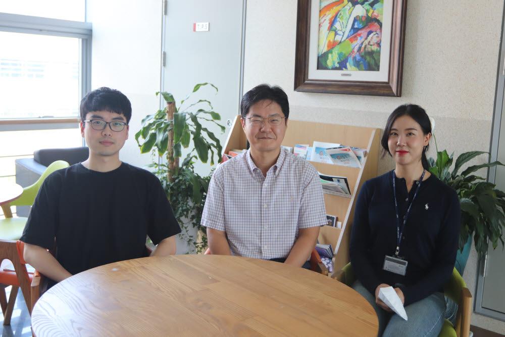 서지원 GIST 교수(가운데)와 남호연 박사과정생(왼쪽), 최지은 연구원.