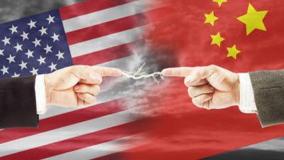 """美 정부, 中 최대 반도체회사에 수출제한…""""중국군 활용 우려"""""""