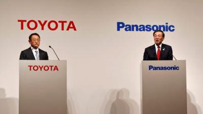 """""""한국에 밀리고, 중국에 치이고""""…日 파나소닉·토요타 배터리 생산 협력"""