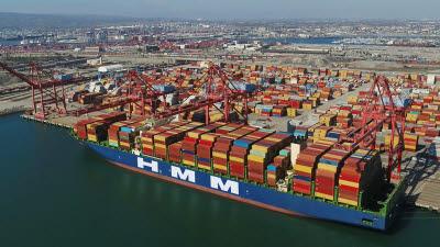 HMM, 북미 서안 항로에 컨테이너선 2척 긴급 투입...올해만 세 번째