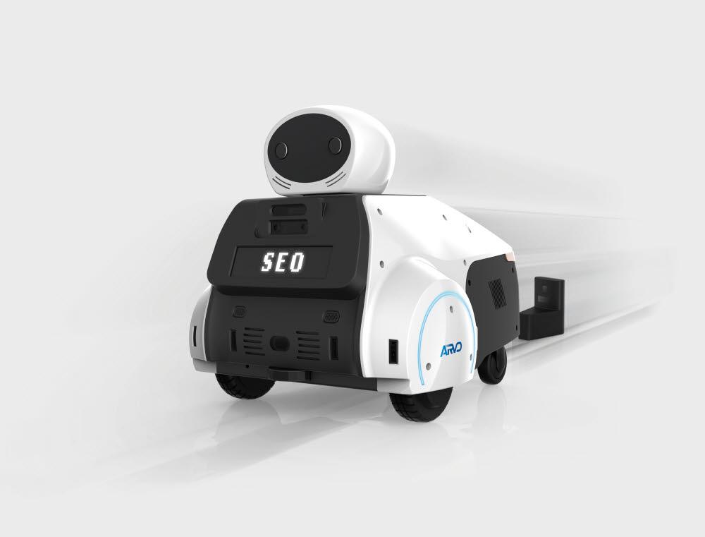 세오가 개발한 보안 서비스 로봇 아르보(ARVO).