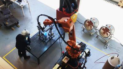 中, 차량 용접 로봇 개발