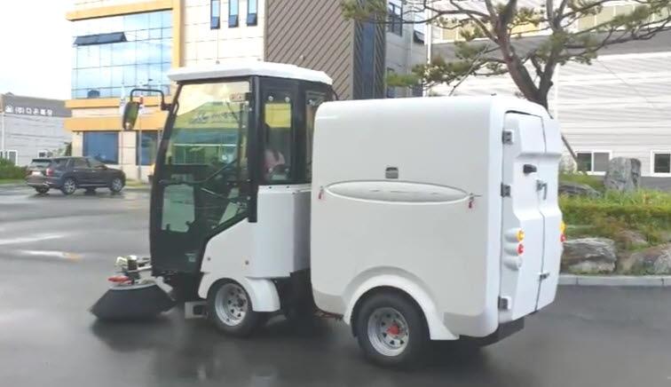 에이엠특장이 개발한 무인노면청소차량..내달 중순 광주 8개 구간에서 실증을 실시한다.