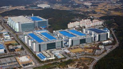 삼성디스플레이, 내년 3월 국내 LCD 셧다운…대형 디스플레이 전환 과제