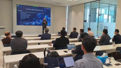 틸론, 美 루시드웍스와 국내 총판 계약 체결…AI 기반 검색 플랫폼 시장 진출