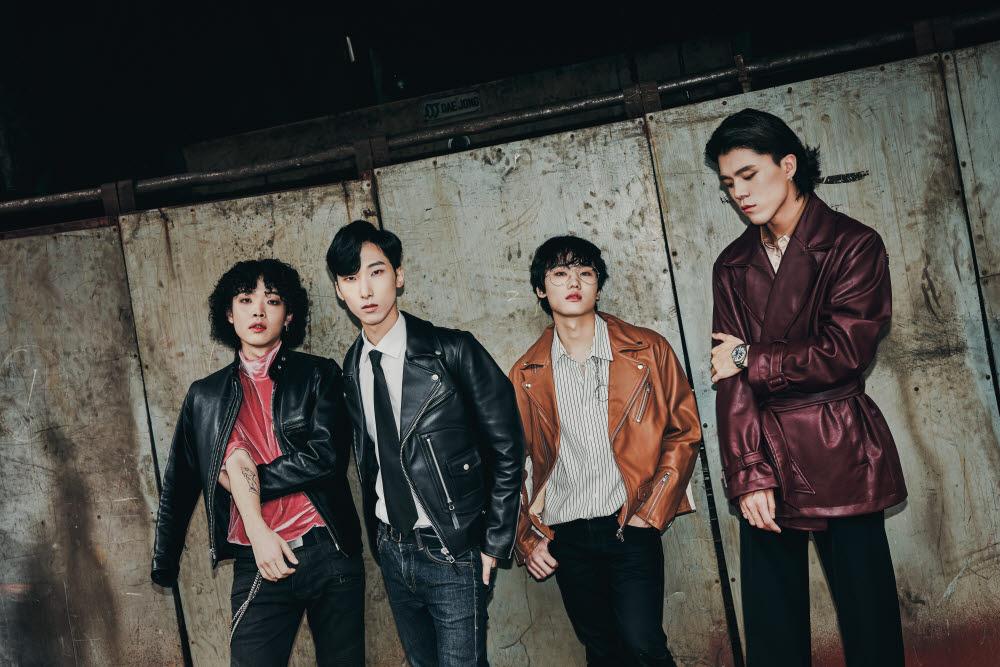 최근 새 앨범 LAME을 발표한 인디록밴드 셔츠보이프랭크와 인터뷰를 가졌다. (왼쪽부터) 안덕근, 최하림, 안승민, 김태준.(사진=BESPOK 제공)