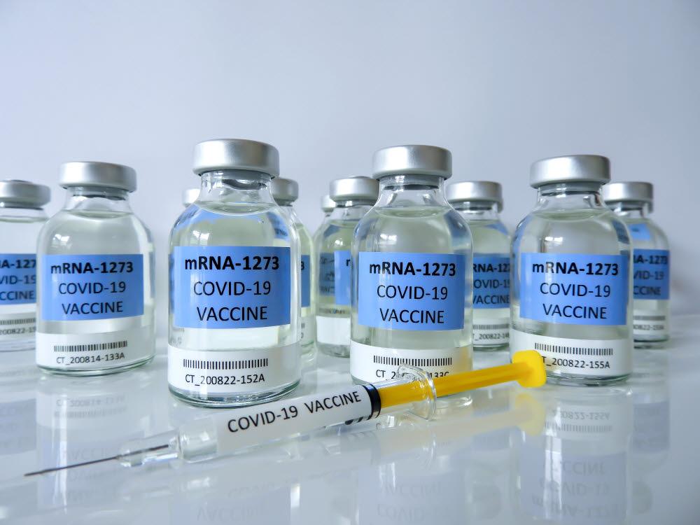 새롭게 개발된 mRNA 백신은 코로나19를 타개할 수 있는 서막을 열어줄 것이다. (출처: shutterstock)