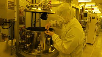 [첨단 직업교육 현장을 가다]<상>반도체 전문가 키우는 폴리텍 성남캠퍼스 반도체소재응용과