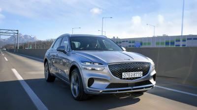 제네시스 'GV70', 벤츠 GLC·BMW X3와 견줘도 '오버 스펙'