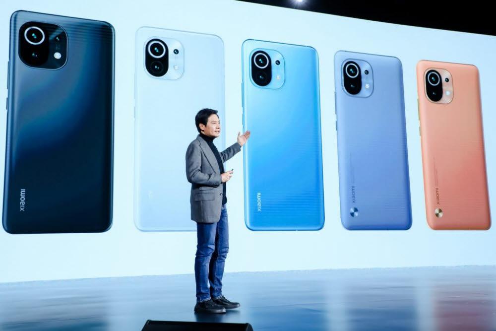 مدیرعامل شیائومی لی جون از طریق یک رویداد آنلاین از گوشی هوشمند پرچمدار جدید Mi 11 رونمایی کرد.