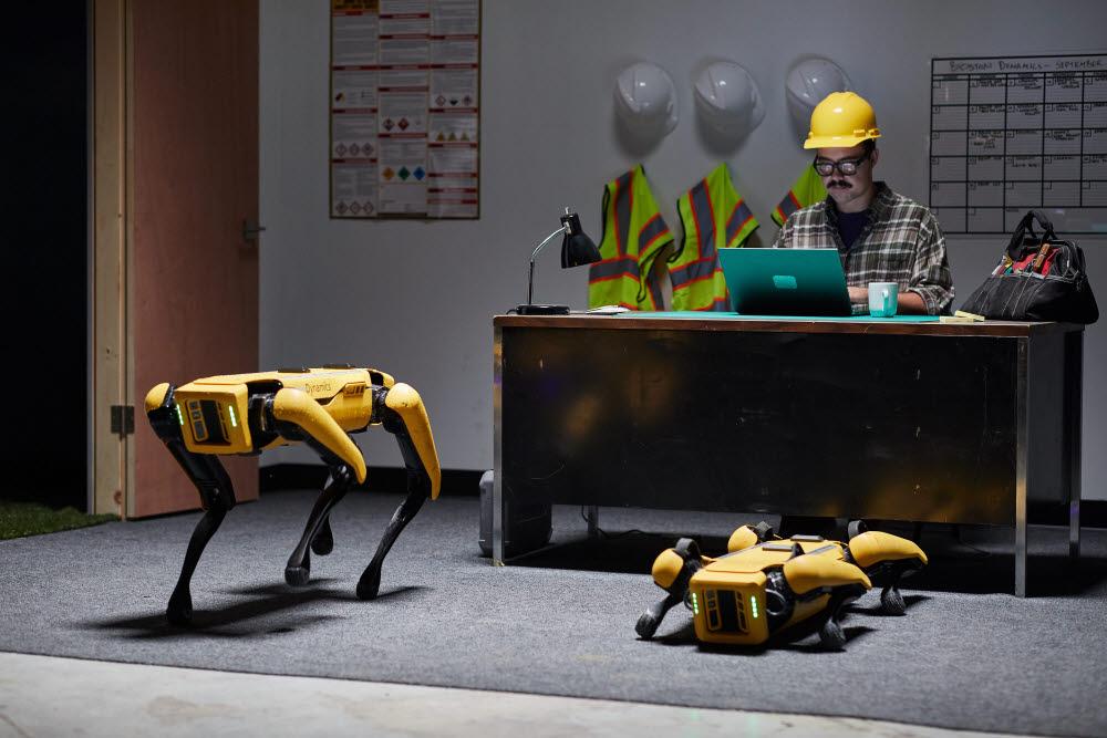 보스톤 다이내믹스의 4족 보행 로봇 스팟.
