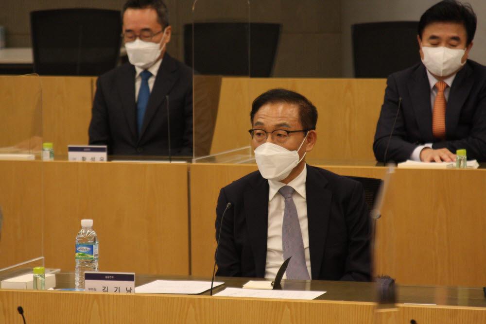 삼성 준법감시위원회가 삼성 최고 경영진을 만나 간담회를 가졌다.