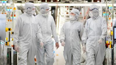 美 마이크론 '1a D램' 최초 양산…삼성·SK하이닉스보다 빨랐다
