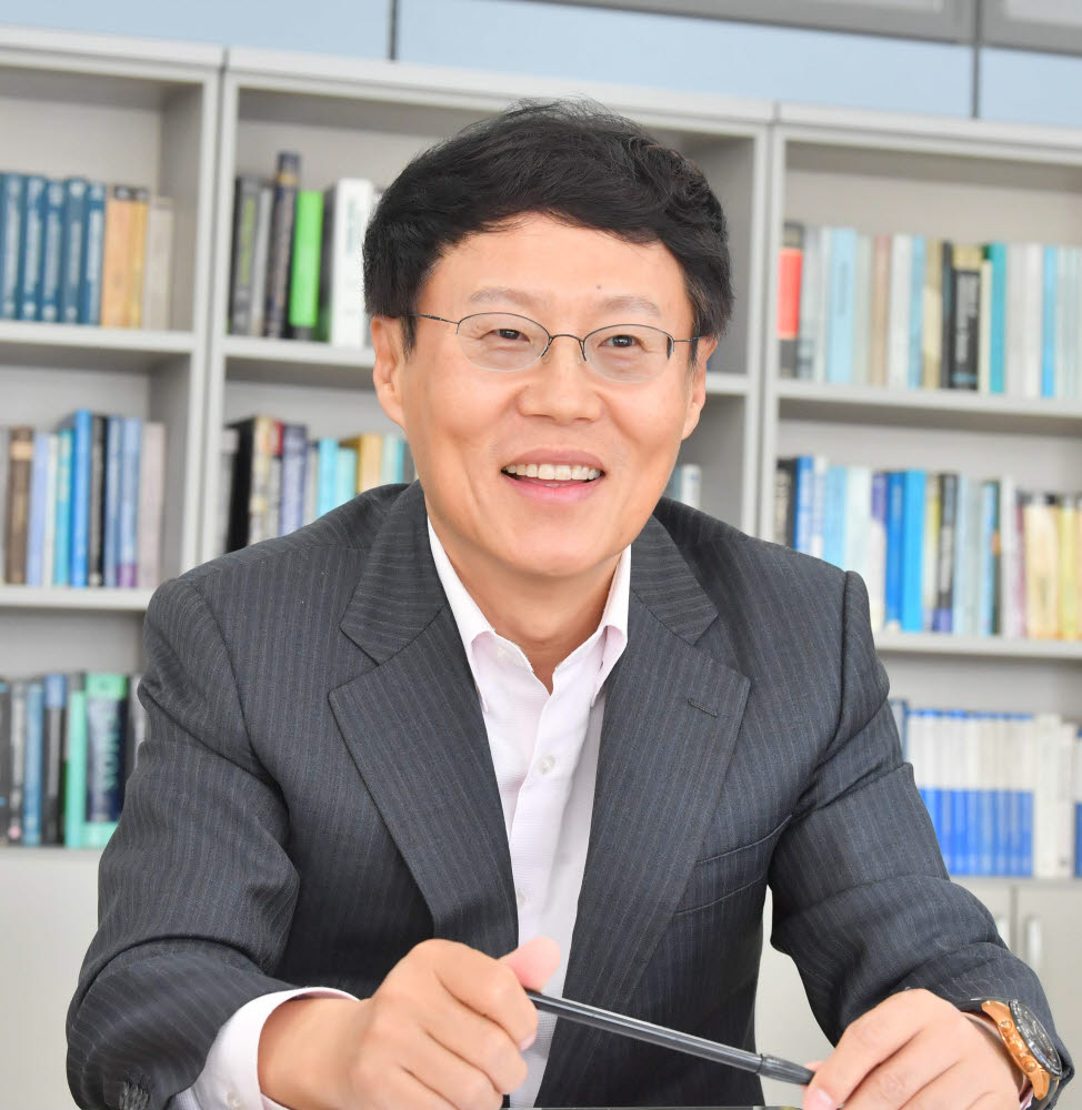 박재근 한국반도체디스플레이학회장 <전자신문 DB>