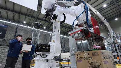 스마트공장 확산에 로봇 기반 물류자동화 시장도 급성장