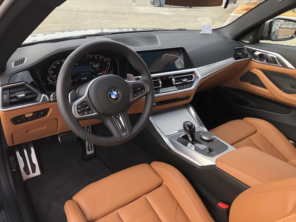 BMW 4시리즈 실내. / 정치연 기자
