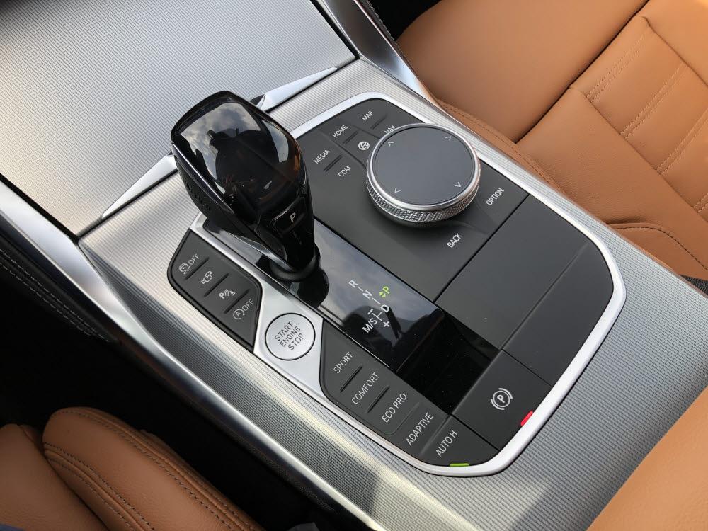 BMW 4시리즈 변속기. / 정치연 기자
