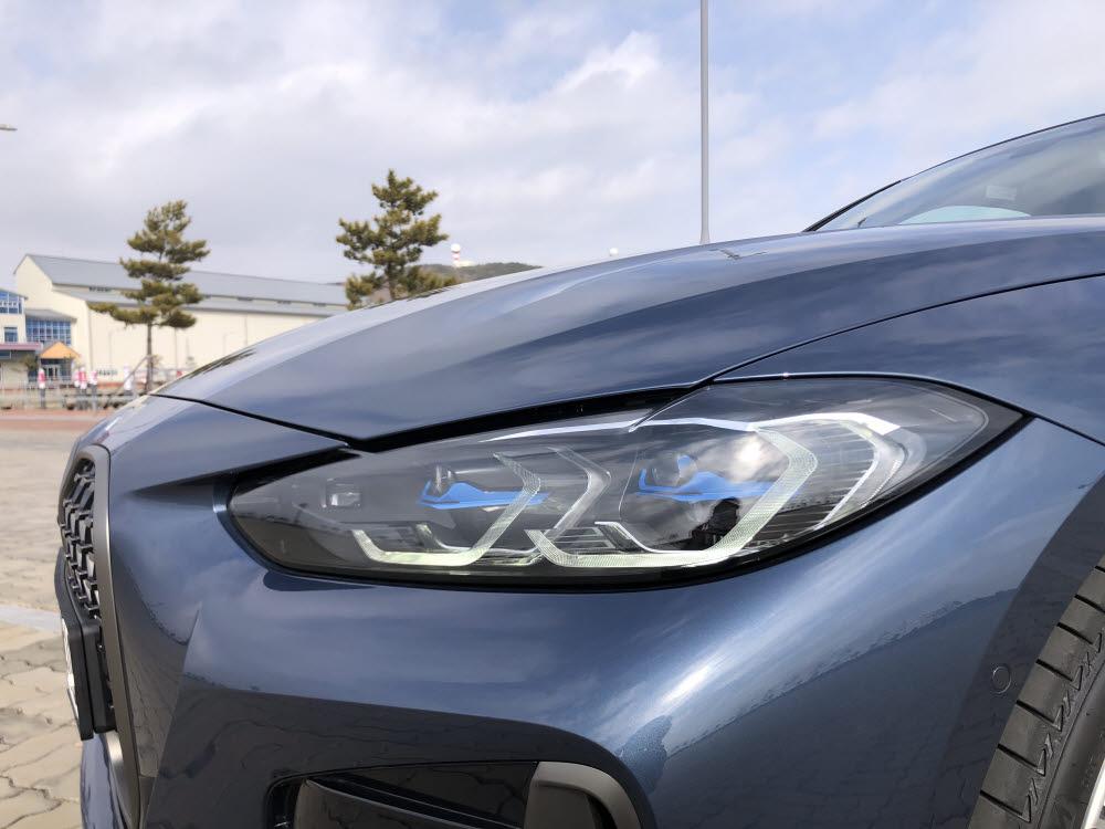 BMW 4시리즈 레이저 라이트. / 정치연 기자