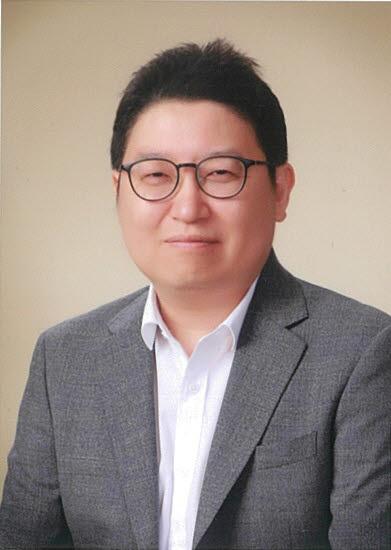 이준 산업연구원 소재산업실장.