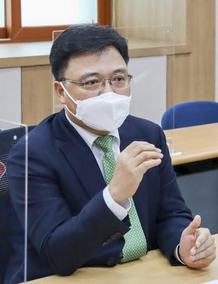 황진구 롯데케미칼 기초소재사업 대표이사.