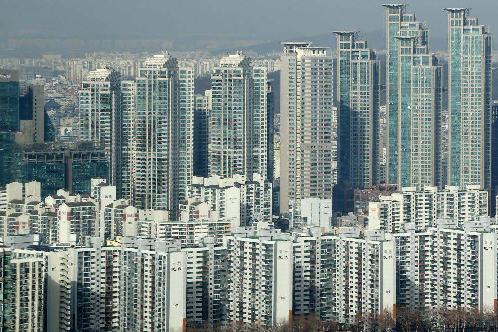 재보선 이후 국민의힘 부동산 정책 공세...민주당은 방향 선회 고민