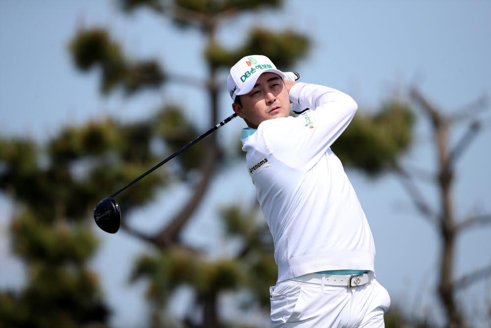 DB손해보험 골프단 이태훈(등록명 Taehoon LEE, 캐나다 국적)선수 경기모습. 이태훈은 군산CC오픈에서 단독 4위에 올랐다. 사진제공_KPGA