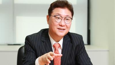 """김영준 매그나칩 대표 """"국내 반도체 R&D 3400억 투자...경영 흔들림 없다"""""""