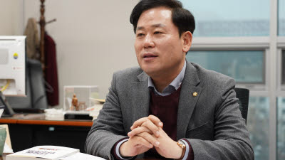 """[人사이트]송갑석 민주당 전략기획위원장 """"호남 초광역에너지망으로 한국판 뉴딜 성공 이끌것"""""""