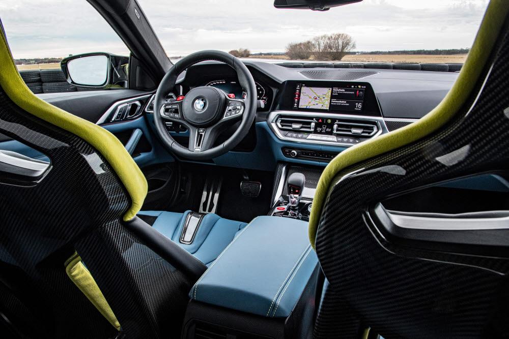 BMW M4 컴페티션 쿠페 실내.