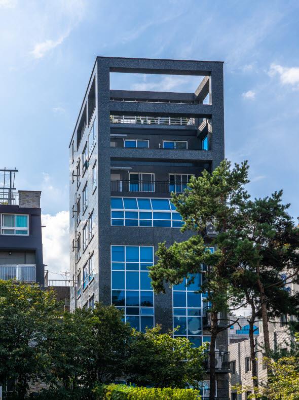 카사 1호 상장 건물, 전년 대비 공시지가 20.36% 상승