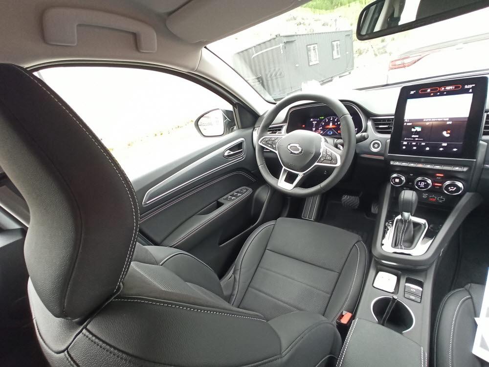 XM3 운전석