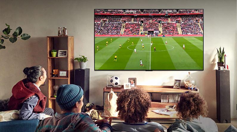 LG전자 올레드 TV 특징 4S 중 Smooth(부드러움).현장감을 그대로 매끄럽게표현하는 생생한 움직임은 스포츠 관람에 제격이다.