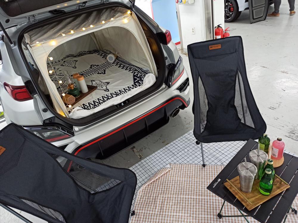 코나N을 활용한 캠핑 콘셉트 사진