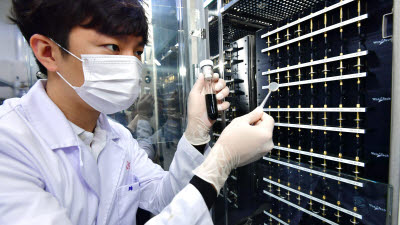 KIST, 리튬배터리 음극 용량 2.6배 높이는 전처리 용액 개발