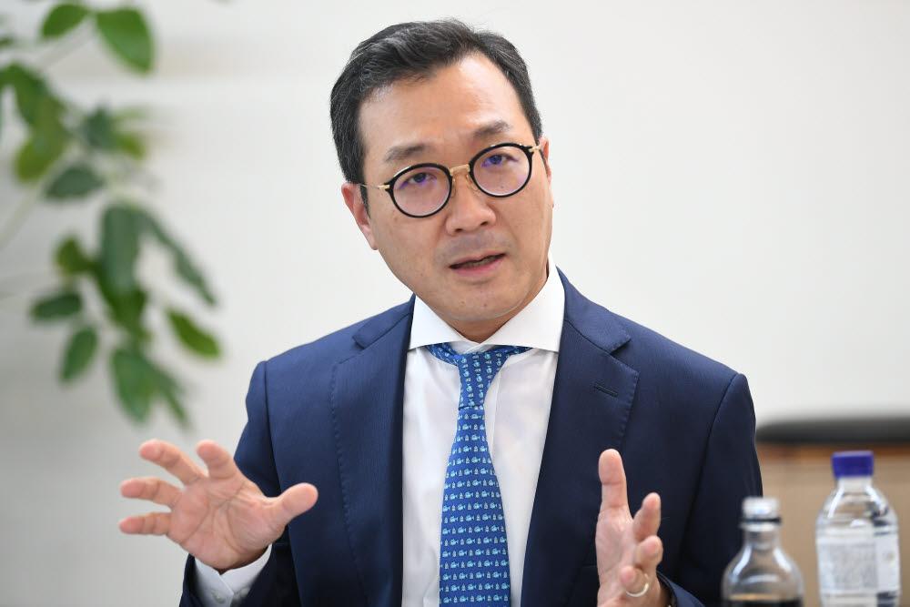 강용성 한국SW산업협회 정책·제도위원회 위원장(와이즈넛 대표). 전자신문DB