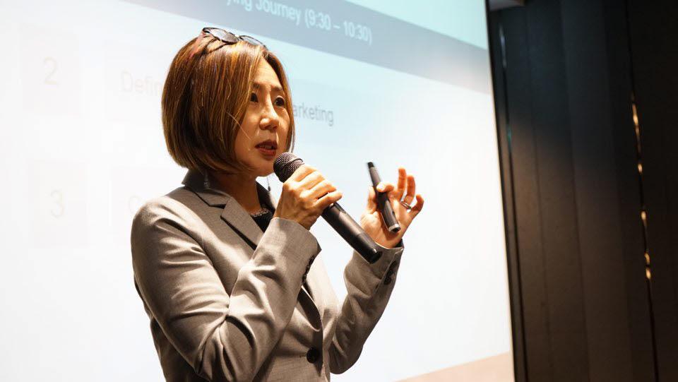 [임수지의 뉴노멀 글로벌 비즈니스 트렌드]〈14〉'올인원 디지털 지식 플랫폼'과 뉴 브랜딩 전략