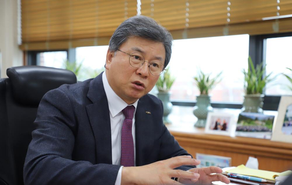 김복철 신임 NST 이사장